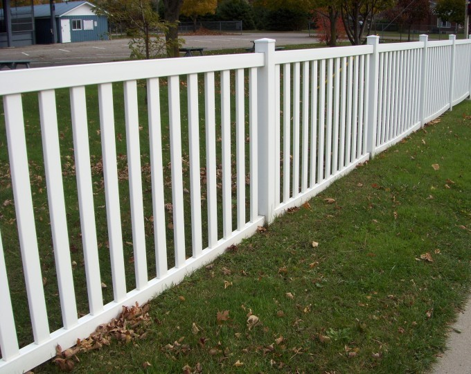 Commercial vinyl pvc injection mould lalonde fencing